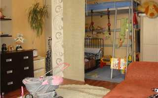 Дизайн интерьера спальни с детской кроваткой 20 кв. м.