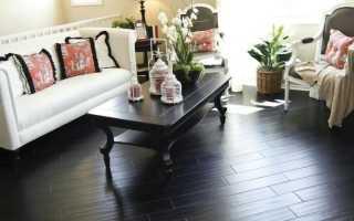 Черный паркет: темный пол в интерьере, фото светлых стен, на кухне ламинат и дизайн спальни, коричневая и белая мебель
