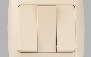Как подключить трехклавишный выключатель — инструкция и схема