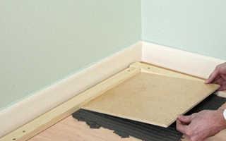 Как положить плитку на деревянный пол — алгоритм укладки
